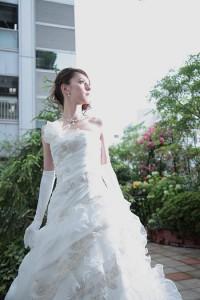 細身Aラインウェディングドレス