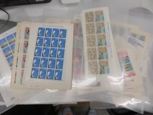 切手シート・バラ切手などをお買取りさせて頂きました。