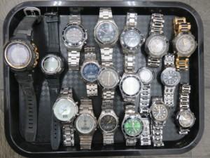 沢山の動かなくなった腕時計をお買取りさせて頂きました。