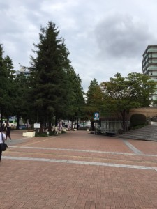 いつも通りの阪神尼崎駅前広場