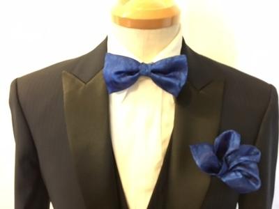 蝶ネクタイとポケットチーフはお揃えが決まります大阪梅田