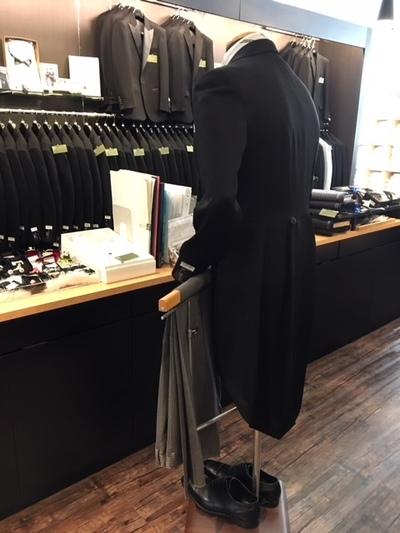 式典衣装のモーニングコート販売大阪梅田
