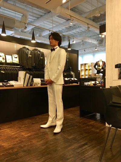 結婚式新郎オーダー白タキシード購入大阪