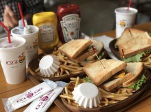 クア・アイナのサンドイッチ