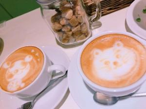 カフェラテアートがかわいいカフェの珈琲