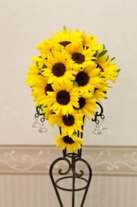 夏の結婚式に人気の向日葵のブーケ