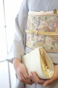 結婚式の女性正礼装の色留袖