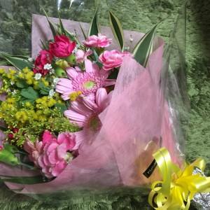 新郎新婦様から花束をいただきました!