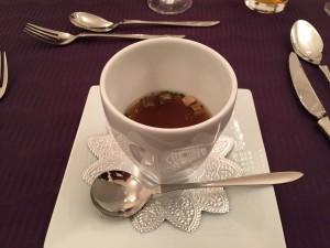 オペラ・ドメーヌ高麗橋さんのトリュフかおる茸のフランをコンソメスープに浮かべて