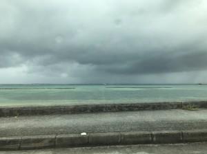 雨天でもやっぱりキレイな沖縄の海