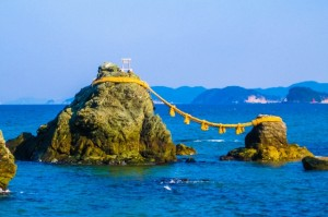 三重県の夫婦岩