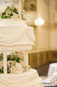 結婚式 ウエディングケーキ 種類 生ケーキ レプリカケーキ