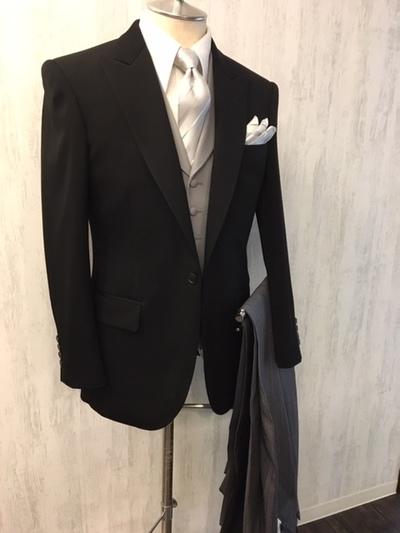 貸衣装メンズフォーマルスーツ部下の結婚式大阪梅田