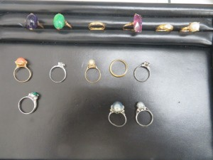 本日は貴金属のリングをお売り頂きました。