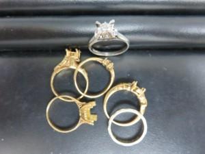 プラチナ・金のリングをお買取りさせて頂きました。