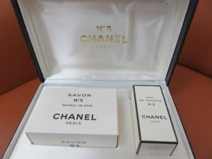 シャネルのオードゥトワレットや香水をお買取りさせて頂きました。