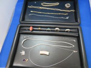 貴金属のネックレス・リングをお買取りさせて頂きました。
