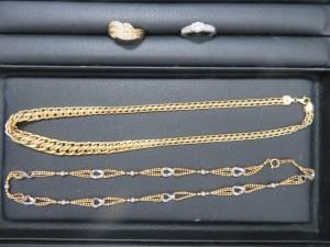 本日も貴金属のダイヤリング・ネックレスをお持ち頂きました。