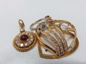 ダイヤモンドなどの貴金属をお買取りさせて頂きました。