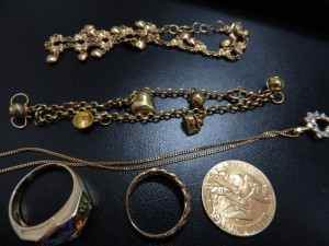 貴金属 ブレスレット ネックレス リング メダル お買取りさせて頂きました。