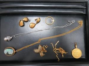 本日は金貨と18金のネックレス、ピアスをお買取りさせて頂きました。