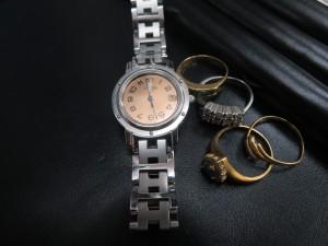貴金属アクセサリー・エルメス腕時計をお買取りさせて頂きました。