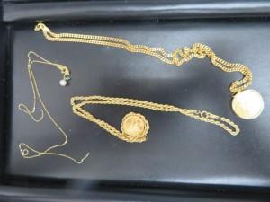 本日は貴金属ネックレス、リング、ピアスをお持ち頂きました。