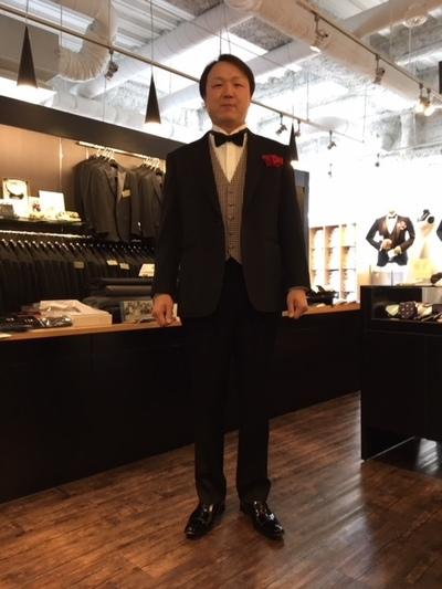 #礼服のブラックスーツを新郎様の着こなし大阪
