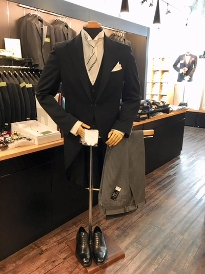 結婚式父親の衣装と言えばモーニングコート販売大阪