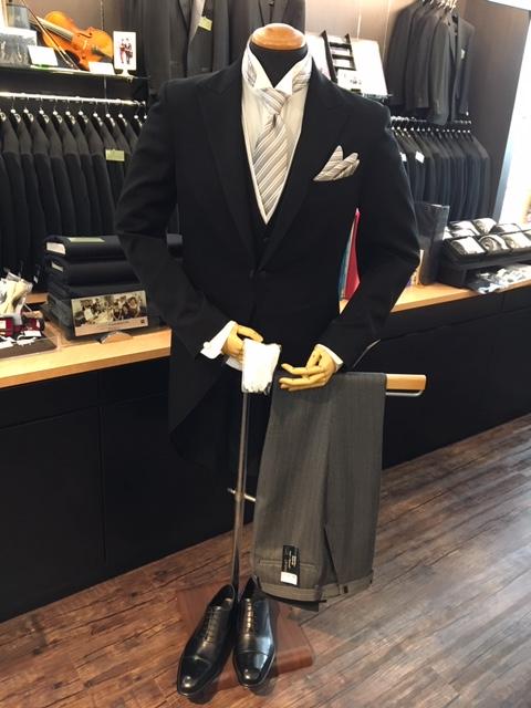 モーニングコートは昼間の正礼装の装い大阪梅田