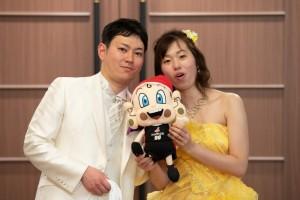 大阪エヴェッサさんの公式キャラクターまいどくんとの3ショット2