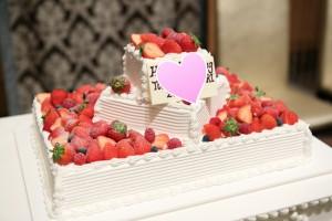結婚式のウエディングケーキでも「いちご」はとっても人気です①