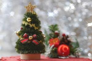 クリスマス披露宴でミニツリーを100均で購入し装飾