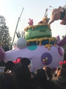 ディズニーランドお昼のパレード