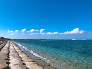 ドライブにも最適!沖縄のうるま市にある海中道路で楽しむオーシャンビュー