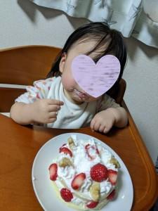 1歳のお誕生日!ケーキを頬張る姪っ子