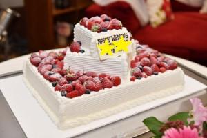 いちごいっぱいのウエディングケーキ