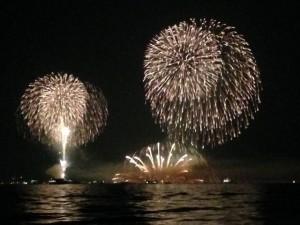 宮島水中花火大会