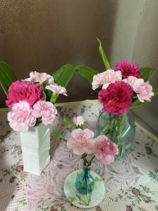 母の日に、母へ感謝を込めてお花を郵送しました