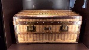 板垣さん所有の日本最古のルイ・ヴィトンのトランク
