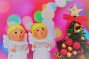 クリスマスに聖歌隊として賛美歌を合唱