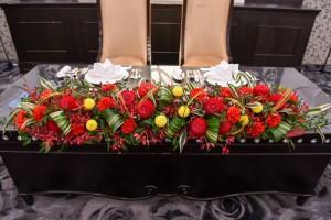 高砂やゲストの皆様のテーブルのお花も和の雰囲気に