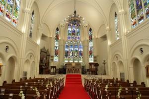 大阪梅田の大聖堂でブルーをテーマにしたゲストハウスの結婚式。