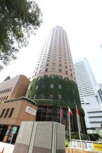 この建物が大阪マルビルです