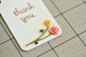 紙刺繍をしたメッセージカードで  ぐっと特別感がでます☆