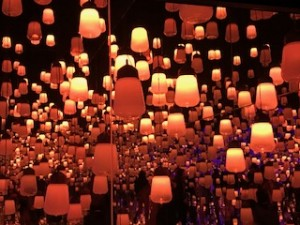 チームラボのランタンのエリア「ランプの森」