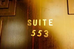 5つ星ホテルのスイートルームに宿泊