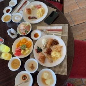 朝食ビュッフェも沢山いただきました♪