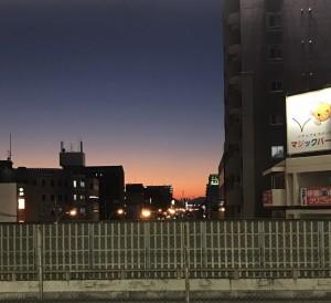 夕焼けの空がきれいで撮ってしまいました(^^人)