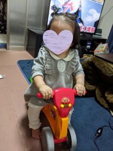 1歳のお誕生日はプレゼントでアンパンマンの自転車